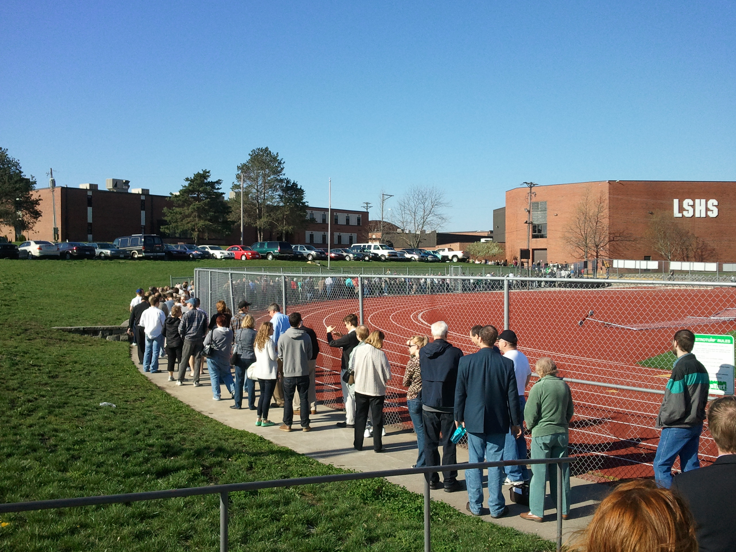 Picture of Caucus Goers at Lee's Summit High School